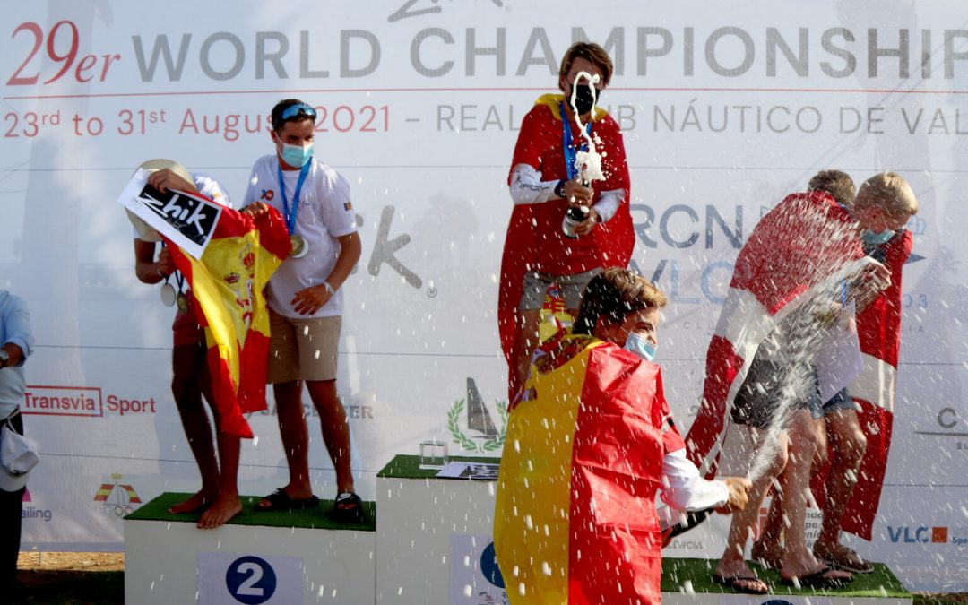 Eliwell brilla en el Mundial Zhik 29er en Valencia